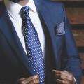 Business Anzug mit Einstecktuch