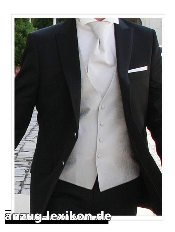 Hochzeitsanzug mit elfenbeinfarbener Weste