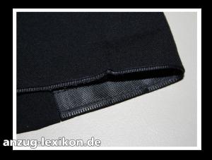 Stoßband an einer Anzughose